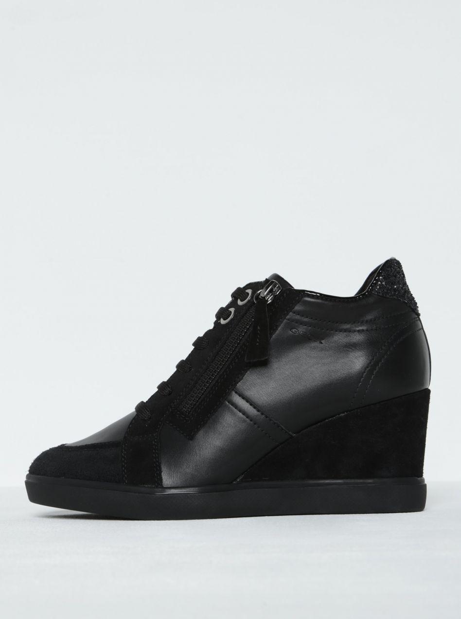 a5ffdb130a78 Čierne dámske tenisky na platforme s koženými detailmi Geox Eleni značky  Geox - Lovely.sk