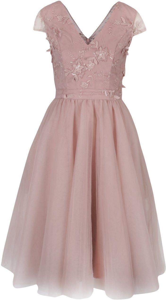 a2d25e92ab3f Ružové šaty s kvetinovou aplikáciou Chi Chi London značky Chi Chi London -  Lovely.sk