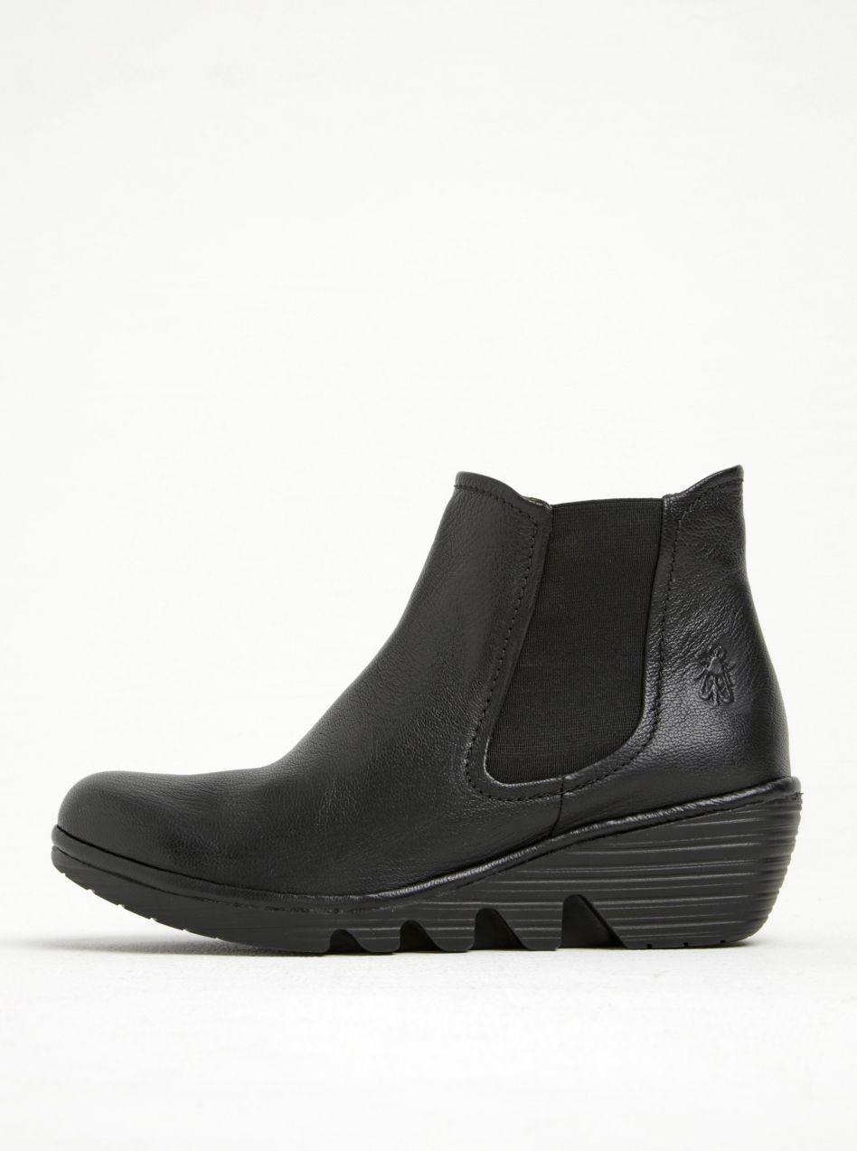 524389130d49 Čierne dámske kožené chelsea topánky na platforme FLY London značky Fly  London - Lovely.sk