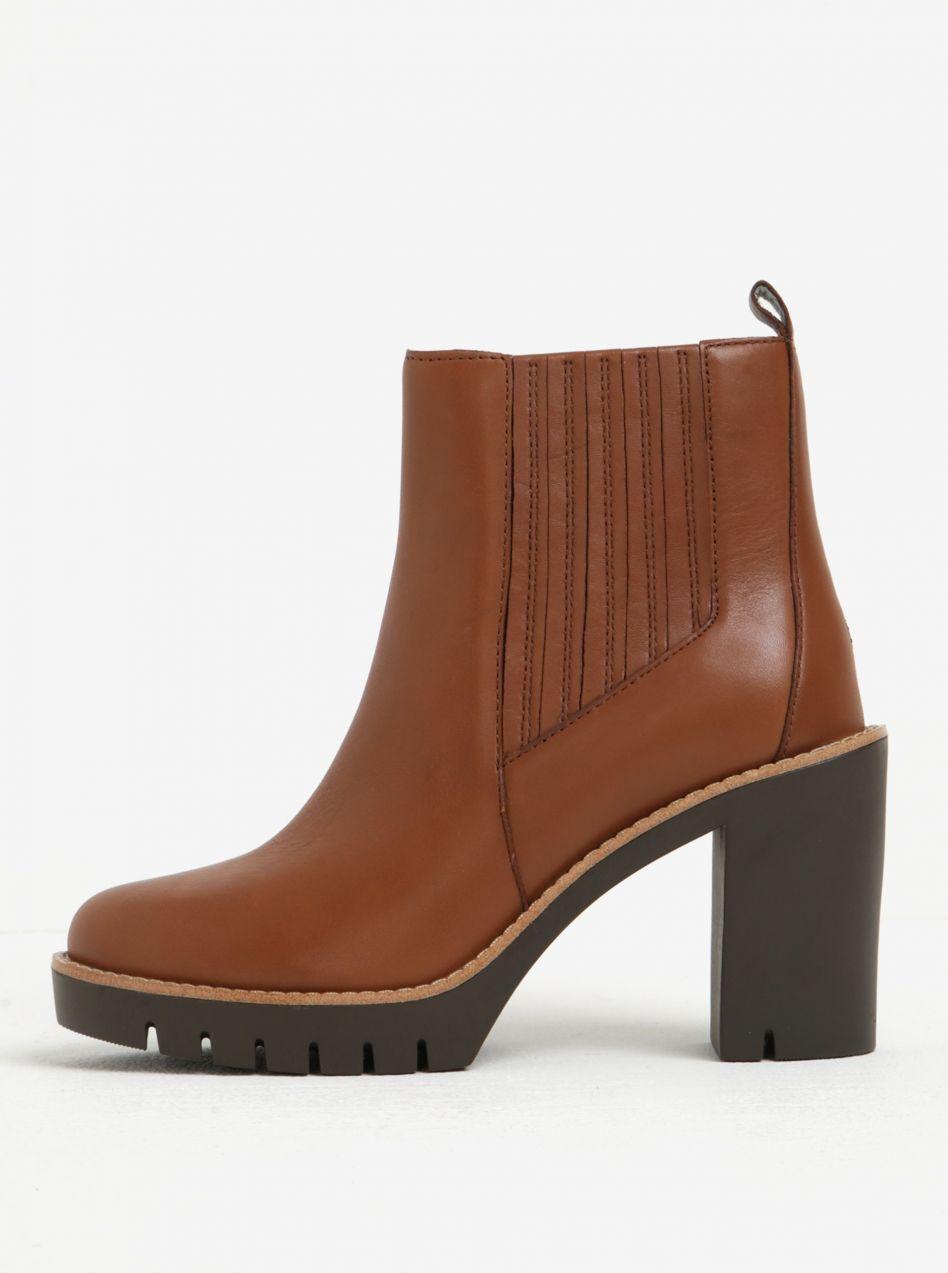 2bd84ddb081c Hnedé dámske kožené chelsea topánky na vysokom podpätku Tommy Hilfiger  Paola značky Tommy Hilfiger - Lovely.sk