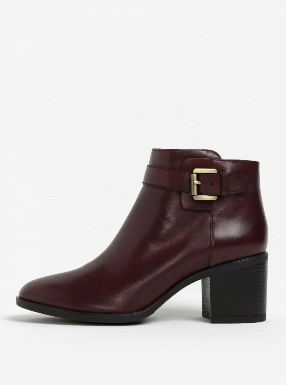 83cf6b16f1 Hnedé dámske kožené členkové topánky s prackou Geox Glynna značky Geox -  Lovely.sk