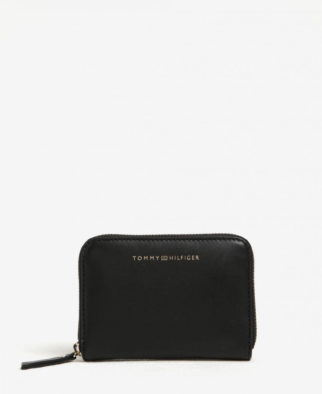 a6f8a63970 Čierna dámska kožená peňaženka s logom Tommy Hilfiger značky Tommy Hilfiger  - Lovely.sk