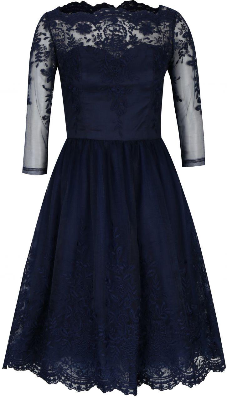 Tmavomodré čipkované šaty s priesvitným sedlom Chi Chi London Darin značky  Chi Chi London - Lovely.sk 5db7da07ddd
