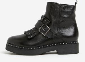 Čierne kožené členkové topánky s prackou a strapcami Tamaris d8e48101651