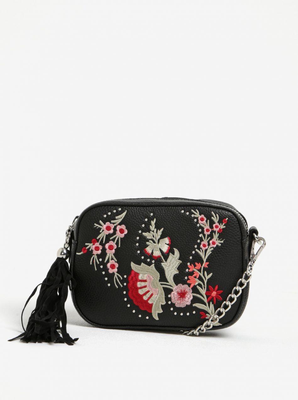 e882c61fbb Čierna crossbody kabelka s výšivkou Miss Selfridge značky Miss Selfridge -  Lovely.sk