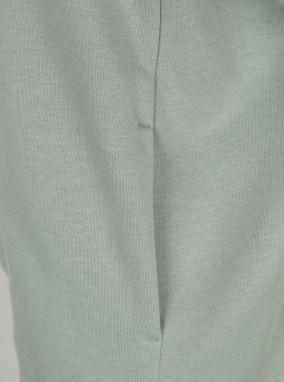 Svetlozelená dámska mikina s kapucňou Nike značky Nike - Lovely.sk 3fa0a649536