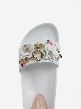 2d562bb311e5 Biele dámske kožené šľapky s kvetinovou ozdobou Dune London Laelia galéria