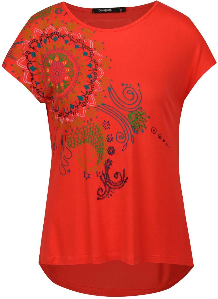 56d3e30999e7 Červené vzorované tričko s krátkym rukávom Desigual Andreus značky Desigual  - Lovely.sk