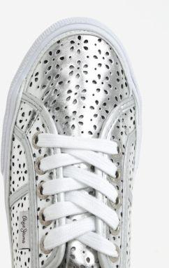 Dámske perforované tenisky v striebornej farbe Pepe Jeans Aberlady daisy  galéria 8427adc9ee