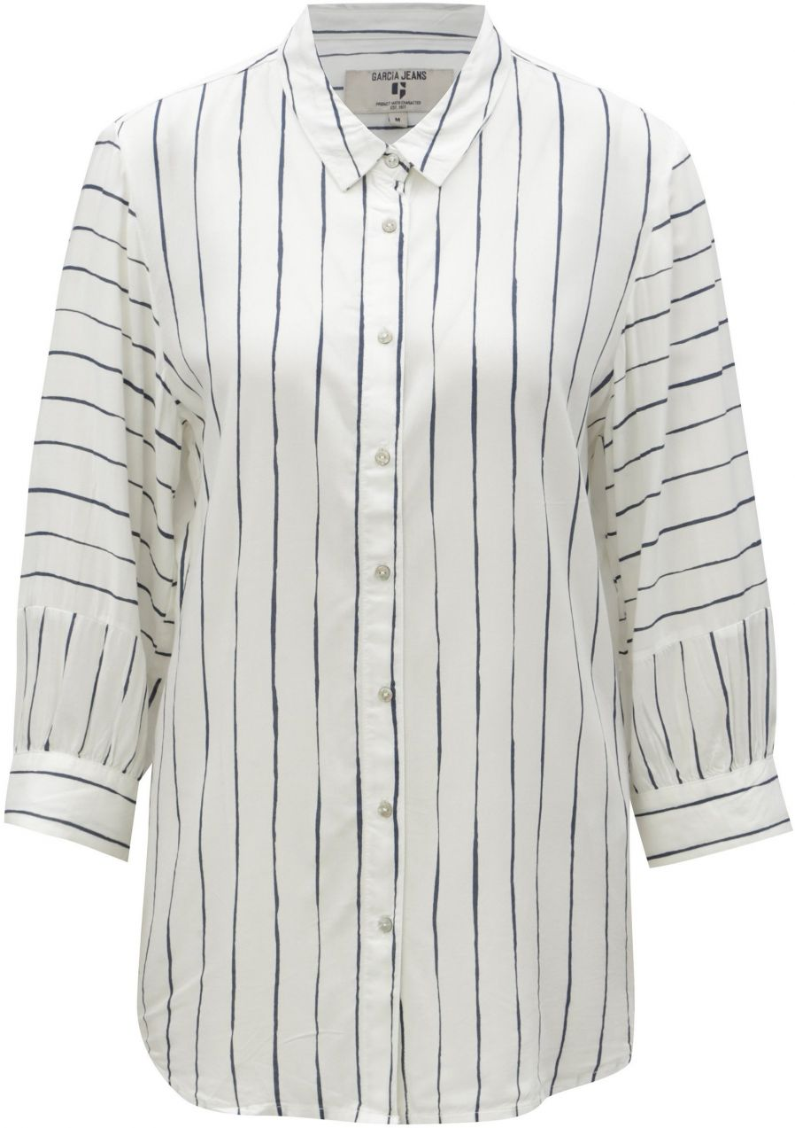 32a67ef72186 Biela dámska pruhovaná košeľa s 3 4 rukávmi Garcia Jeans značky ...
