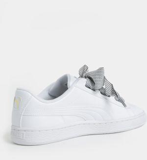 Biele dámske tenisky so širokou stuhou Puma Basket Heart značky Puma ... 3907503cd32