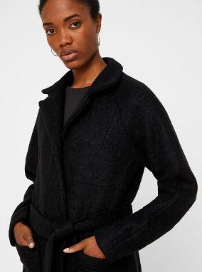 241e5bb9f Čierny vlnený kabát s vreckami a opaskom Noisy May Zoe značky Noisy ...