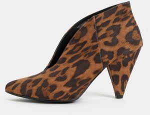 a6a353fb39af Hnedé členkové topánky na podpätku s leopardím vzorom v semišovej úprave  Dorothy Perkins Leo