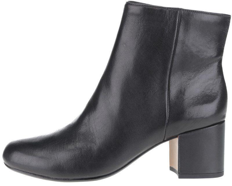 f443d1687c22 Čierne dámske kožené členkové topánky Clarks Barley značky Clarks -  Lovely.sk
