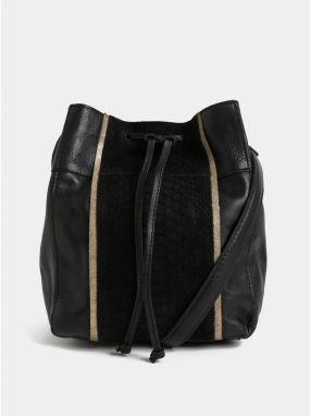 Čierna prešívaná crossbody kabelka Pieces Gigi značky Pieces - Lovely.sk 8f5b810a42a