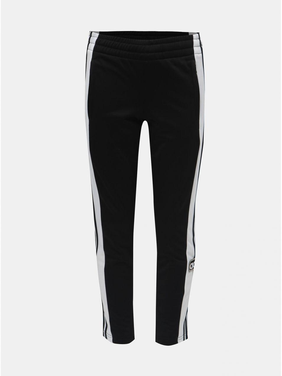Bielo–čierne chlapčenské tepláky s nášivkou adidas Originals značky adidas  Originals - Lovely.sk 62ef02235e0