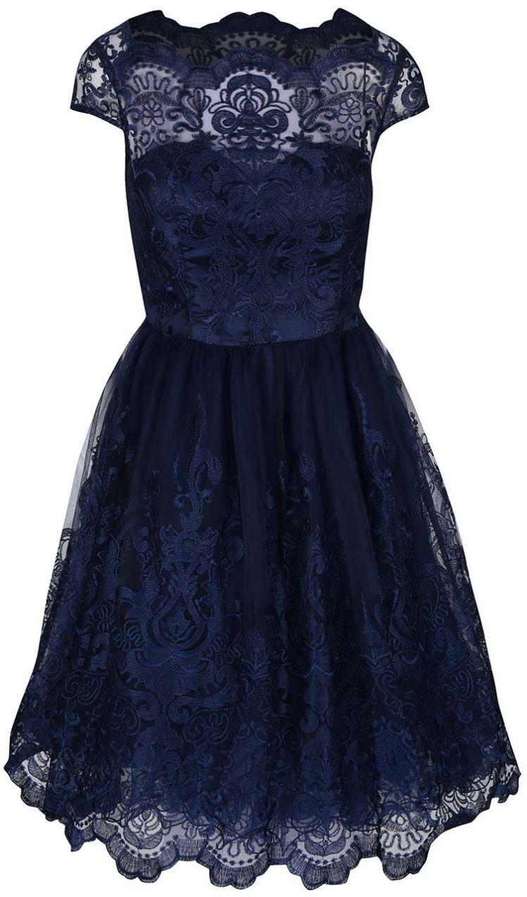 85067cbbf484 Tmavomodré čipkované šaty Chi Chi London April značky Chi Chi London -  Lovely.sk