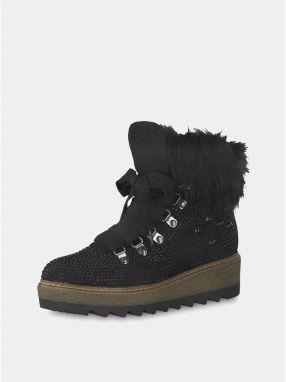 Čierne zimné topánky v semišovej úprave na platforme s ozdobnými kamienkami  Tamaris galéria 9a0ea11886a