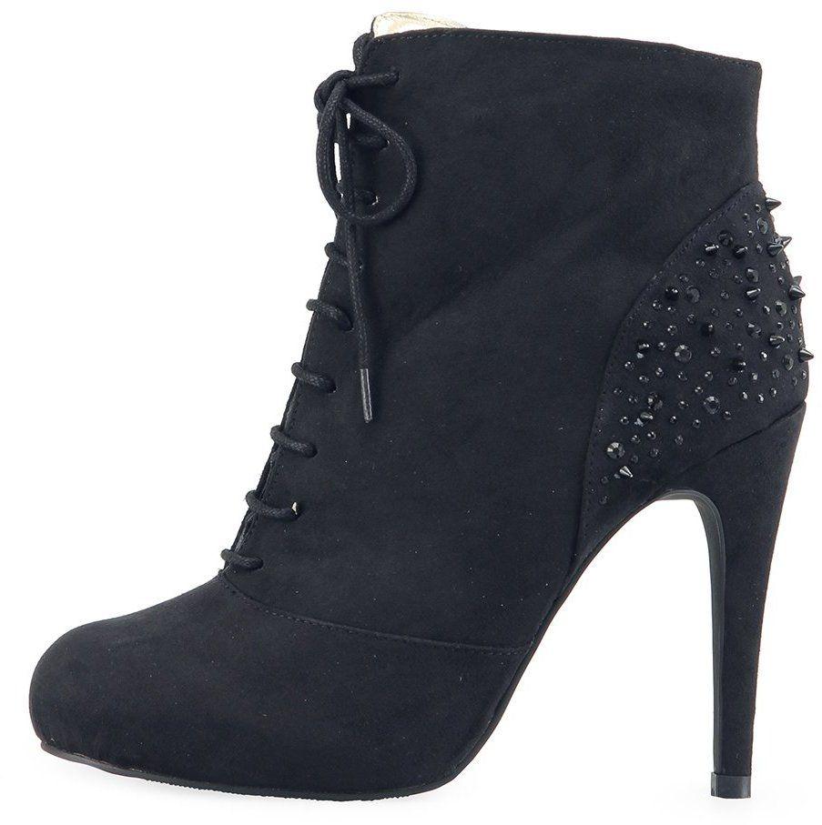 5b9b6176e40c Čierne členkové topánky Victoria Delef s ostňami na päte značky Victoria  Delef - Lovely.sk