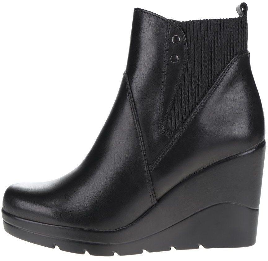 Čierne kožené členkové topánky na klinovom podpätku Tamaris značky Tamaris  - Lovely.sk e96af2fd2bf