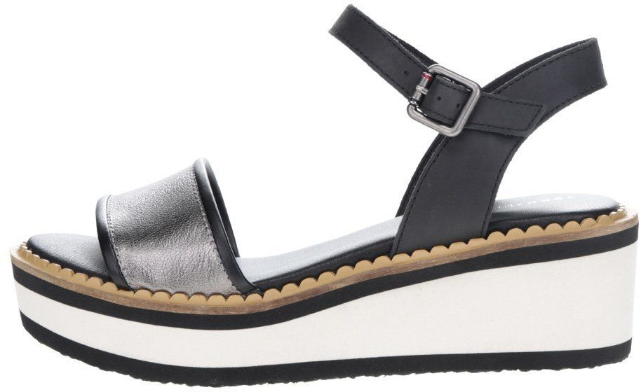 Krémovo-čierne dámske sandále na platforme Tommy Hilfiger značky Tommy  Hilfiger - Lovely.sk b7997f80f61