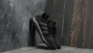 adidas Swift Run Core Black/ Utility Black/ Core Black EUR 40 2/3