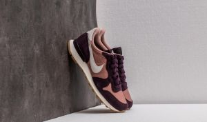 Nike WMNS Internationalist Particle Pink/ Light Bone EUR 37.5