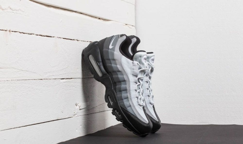 Nike Air Max 95 Essential Black/ White-Dark Grey EUR 41