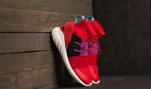 adidas Tubular Doom Winter Scarlet/ Scarlet/ Shock Purple EUR 40 2/3