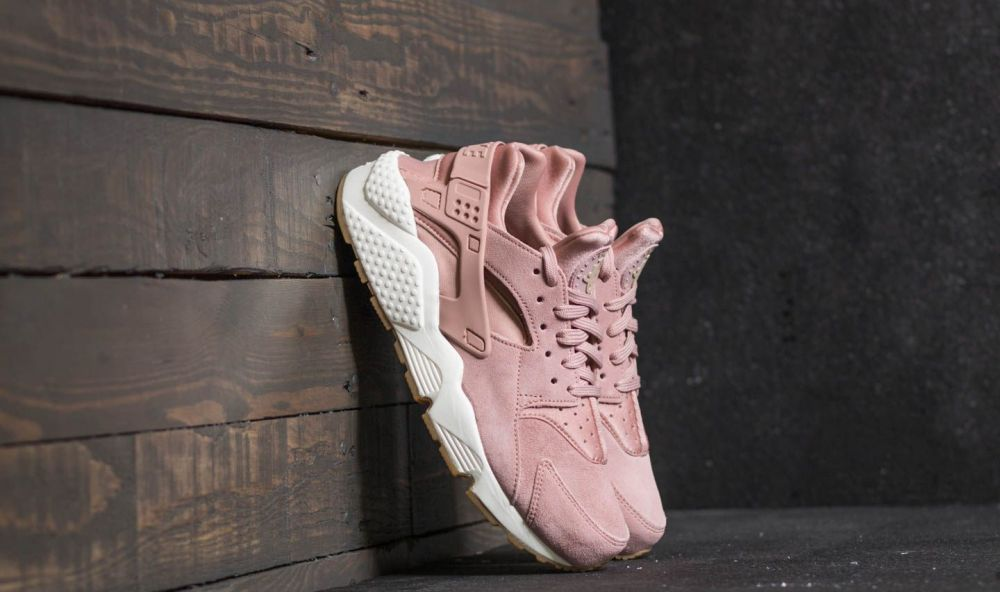 Nike Wmns Air Huarache Run SD Particle Pink  Mushroom-Sail EUR 37.5 značky  Nike - Lovely.sk 2b56ccfad6