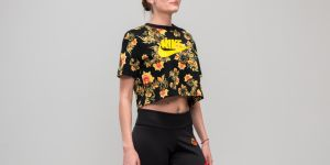 Nike Sportswear All Over Print Floral Top Black S