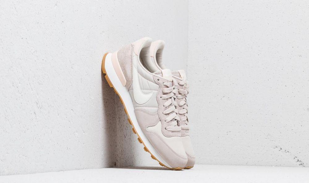 Nike Wmns Internationalist Desert Sand  Summit White EUR 38.5 značky Nike -  Lovely.sk 05e1fd0809b