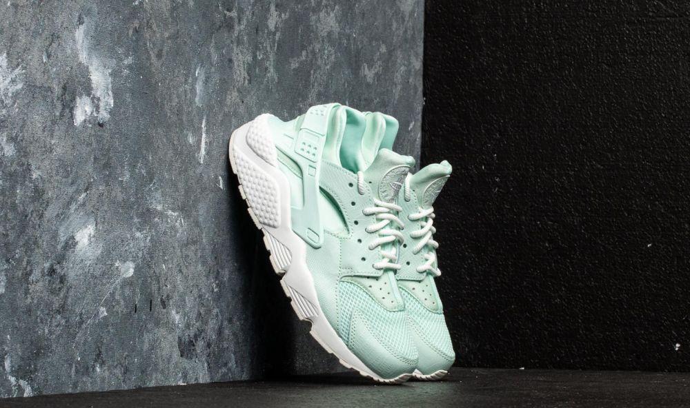 Nike W Air Huarache Run SE Igloo  Igloo-Summit White značky Nike ... 716f3a27b59