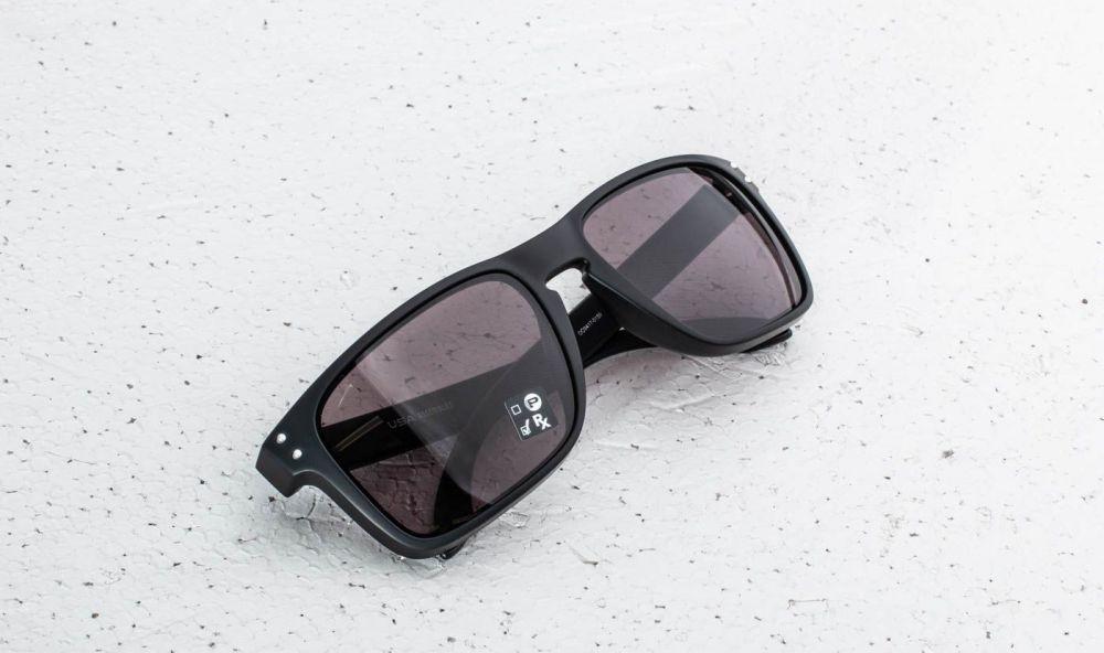 Lovely Muž Doplnky Slnečné okuliare. Oakley Holbrook XL Matte Black  Warm  Grey eed083cf41f
