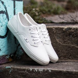 Radii Axel Triple White Waxed Pebble Leather EUR 46