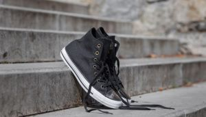 Converse Chuck Taylor All Star Brush Off Leather Toe Cap Black/ Light Gold/ Black EUR 39.5