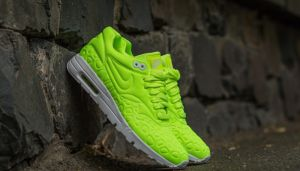Nike Wmns Air Max 1 Ultra Plush Volt/ Volt-White EUR 41