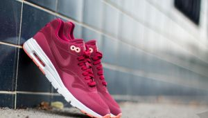 Nike Wmns Air Max 1 Ultra Moire Noble Red/ Noble Red EUR 41