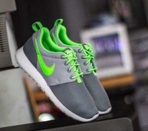 Nike Roshe One (GS) Classic Grey/ Green-Wolf Grey EUR 38.5