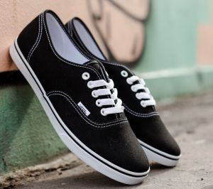Vans Authentic Lo Pro Black/ True White EUR 35