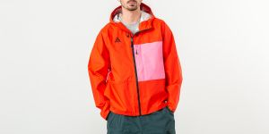 Nike NRG ACG 2.5L Packable Jacket Habanero Red/ Lotus Pink