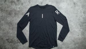 Jordan A.I.R. Long Sleeve Tee Black/ White S