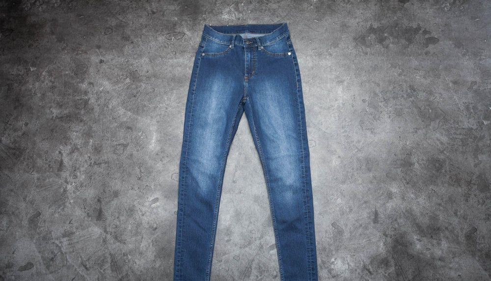 Cheap Monday High Spray Jeans Dim Blue W28-29 značky Cheap Monday -  Lovely.sk 0a5cbe9f918