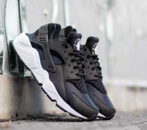 Nike Air Huarache Run Black/ Black/ White EUR 35.5
