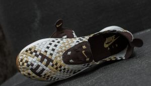 Nike Air Woven Velvet Brown/ Team Gold-Sail EUR 41 galéria