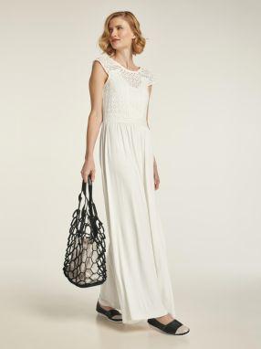 80a8c8d521b7 Krémové čipkované šaty VILA Flus značky VILA - Lovely.sk