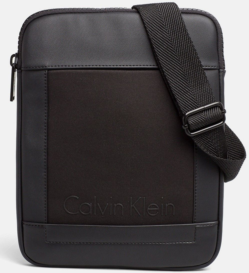 Calvin Klein čierna crossbody taška Caillou Flat Crosso značky Calvin Klein  - Lovely.sk 173312e8974