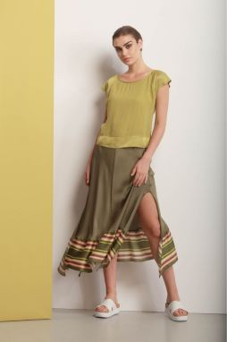 818c08c118b9 Deha zelená asymetrická sukňa s farebnými motívmi