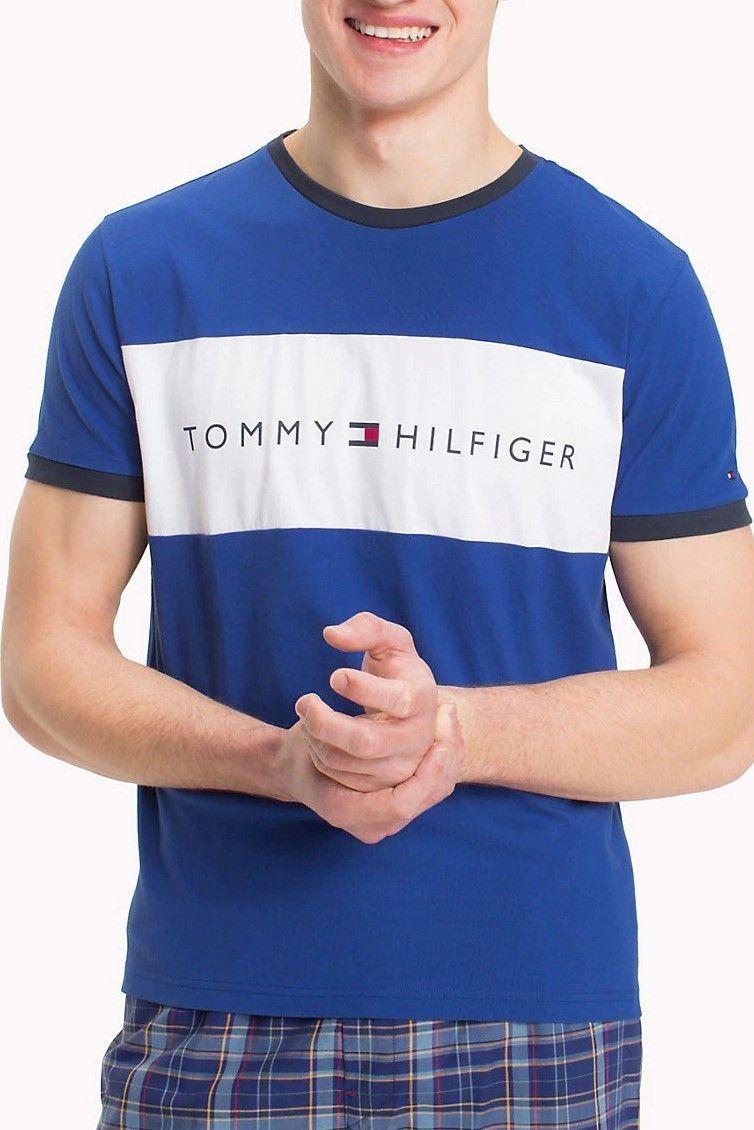 Tommy Hilfiger modré pánske tričko s bielym logom značky Tommy Hilfiger -  Lovely.sk b49f48110c