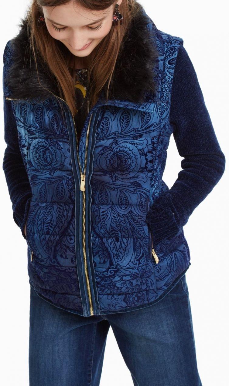 Desigual tmavo modrá bunda Alexandra s odopínacími rukávmi značky Desigual  - Lovely.sk 40d73ed6ca2